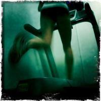 Om jag skulle löpbandsträna, skulle jag göra så här.