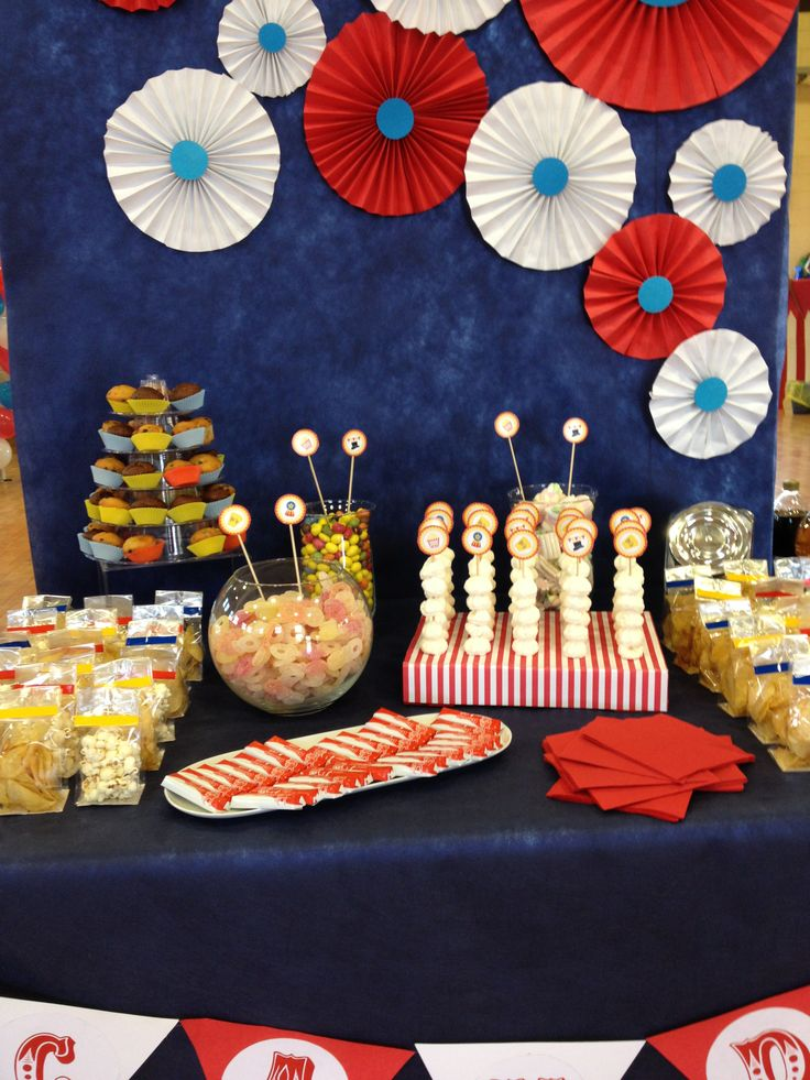 Candy Corner at Circus Party! #candycorner #candybar #circus #carnival #party #ilvizietto