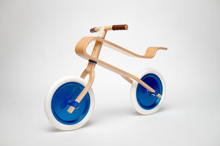 Brum Brum balance bike - oak finish, candy blue discs and pearl white tires