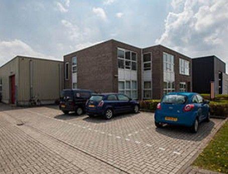 Bedrijfsruimte te huur in Beek. Betreft 177m2 bedrijfshal met een vraagprijs van € 995,00 per maand. Goed te bereiken met een vrachtwagen. Meer weten? U kunt online direct uw bezichtiging aanvragen of bel 085-4013999.  http://www.huurbieding.nl/huur/bedrijfsruimte/1-01180/beek/middelweg-25.html  #bedrijfsruimte #tehuur #beek #limburg #opslag #transport #vastgoed #vrachtwagen #bedrijfshal #huurbieding #mkb #dienstverlening #flexibel