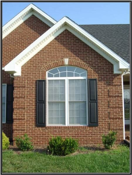 A brick home is like an artist 39 s palette striking brick for Brick quoin detail