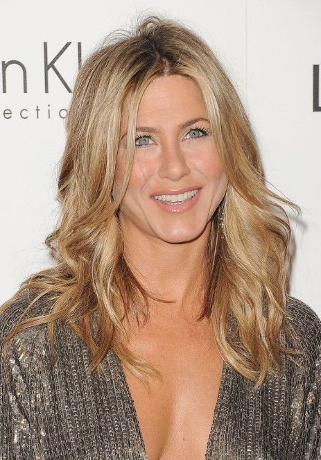 jennifer aniston hair styles - bright fun color for the summer.