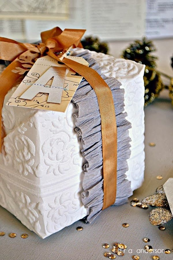 bridal shower poem for not wrapping gifts%0A tara anderson ruffle and ribbon christmas gift wrap    Suggestions For Wrapping  Gifts This Christmas hand made stuff