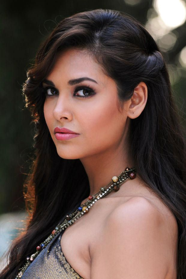 25 best Esha Gupta images on Pinterest | Bollywood, Indian ...