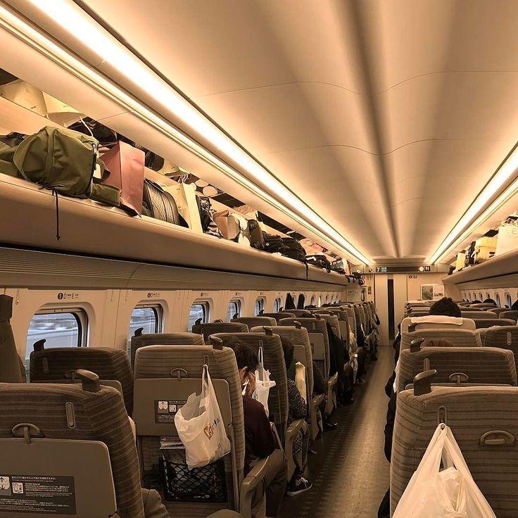 Интерьер японского Сапсана - так буквально переводится название синкансэна #Хаябуса #сапсан #япония #поезда