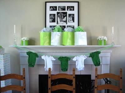 onesie clothes line; baby shower decorations