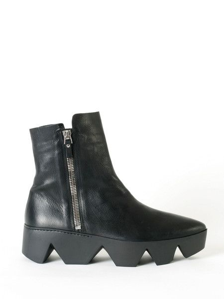 Prometeo black leather booties - Vic Matiè -FW2015 - available at guyafirenze.com