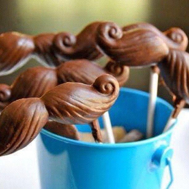 bigotes de chocolate