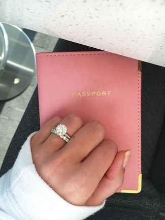28 Fun Engagement Ring Selfie Ideas | TheKnot.com