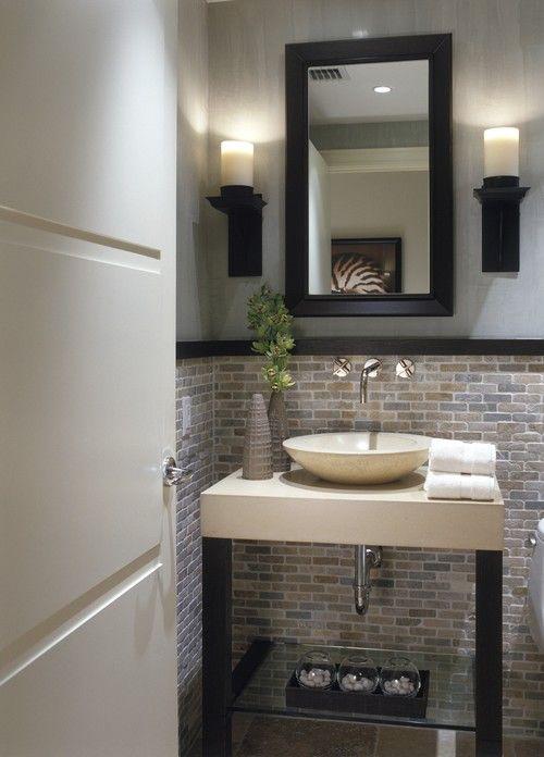 salle d'eau noir garniture en bois.jpg - Photo Deco Maison - Idées decoration interieure sur pdecor.com -