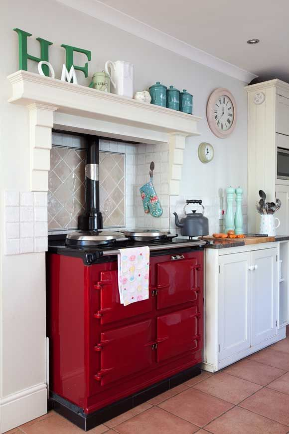 Like traditional kitchen with slght influence of shabby chic pastels
