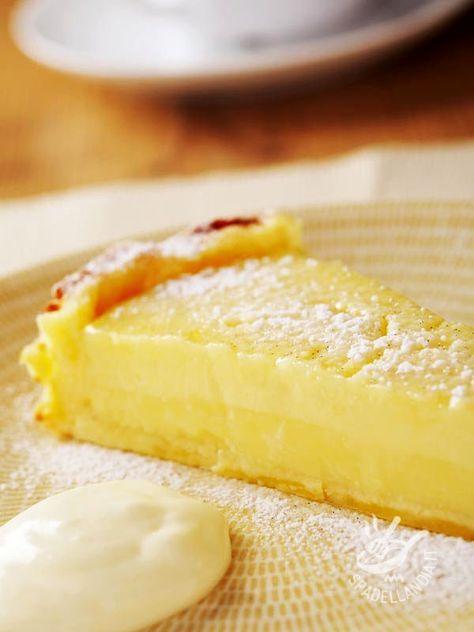 La Crostata alla crema di limone, delicata e con un profumo inebriante, è sempre…