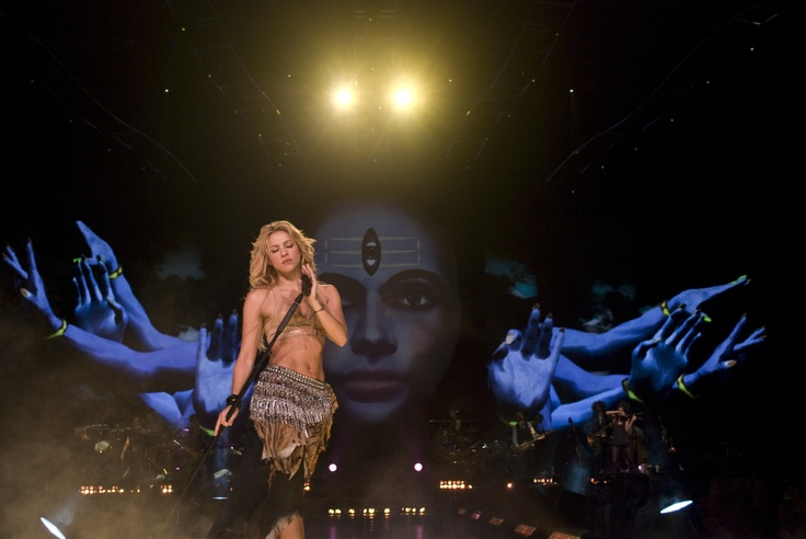 The Sun Comes Out World Tour (2010 - 2011) #Shakira