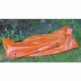 Saco de dormir emergencia Naranja De pequeñas dimensiones plegado, pero se convierte en un saco de dormir de polietileno de gran tamaño. Compacto y ligero lo hace ideal como protección contra los elementos o como capa impermeable para el saco de dormir. Peso: 240 gr