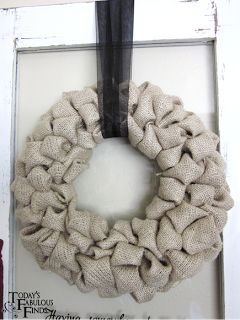 Today's Fabulous Finds: Burlap 'Bubble' Wreath Tutorial
