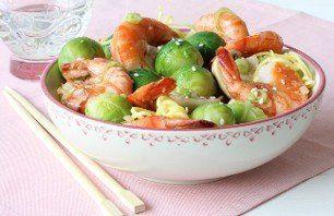 Recept voor Geroerbakte spruitjes met gamba's | Vers van de Teler