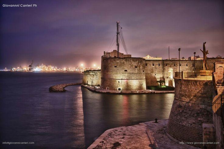 Taranto. Castello aragonese