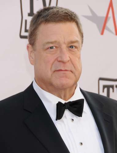 John Goodman 12 times Most Frequent SNL Hosts | List of Saturday Night Live Guest Hosts