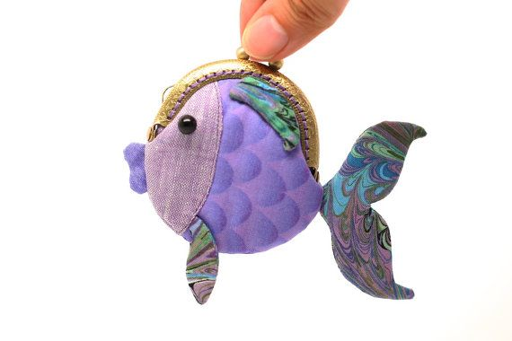 Tiny purple goldfish clutch purse por misala en Etsy, $24.90