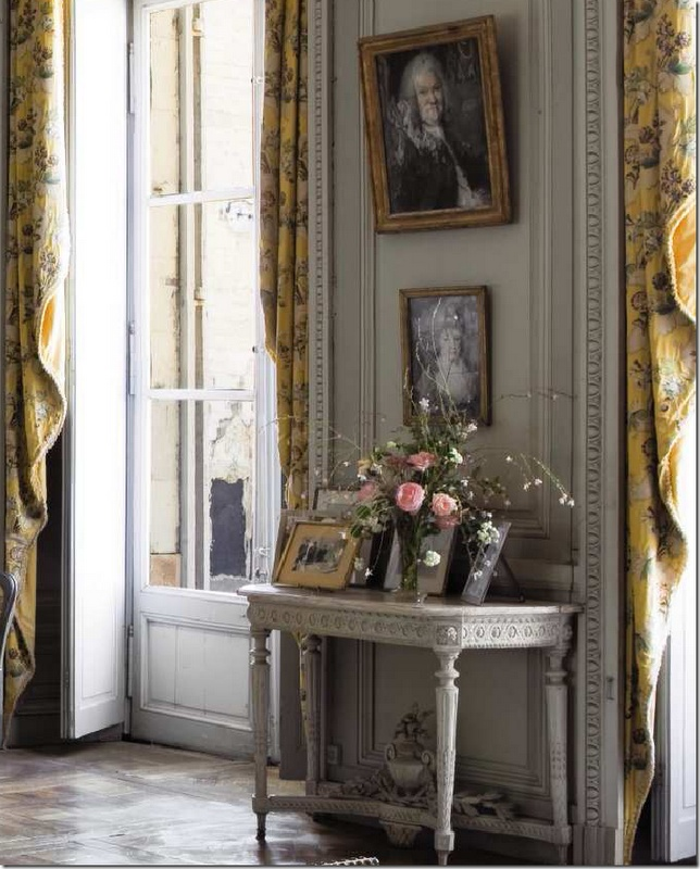 516 best french chateau images on pinterest for Le salon in french