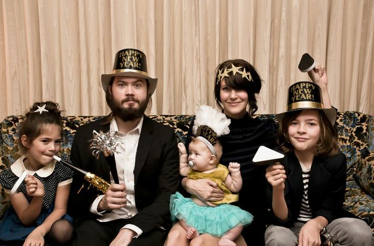 cute family new years party