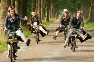 Solex rijden in Drenthe & BBQ of High Tea