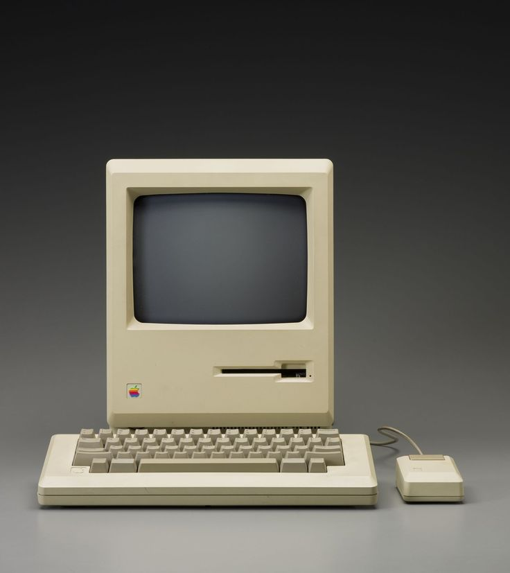 "Designed by frogdesign (American) and Apple Industrial Design Group (American), manufactured by Apple Inc. (American), ""Macintosh Plus computer with carrying case,"" 1985; Indianapolis Museum of Art, Gift of Marcia Oddi, 2012.7A-D"