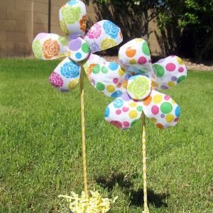 These precious spring crafts for kids are made from recycled materials! Kids' crafts that are inexpensive and adorable are definite champs.