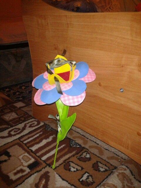 moosgummi flower gift
