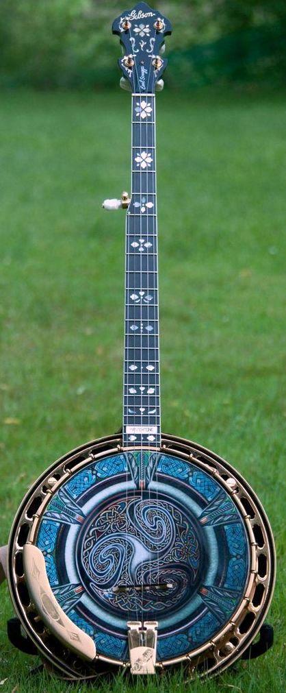 Gibson Earl Scruggs Golden Deluxe 5 string Banjo with custom made head. --- https://www.pinterest.com/lardyfatboy/