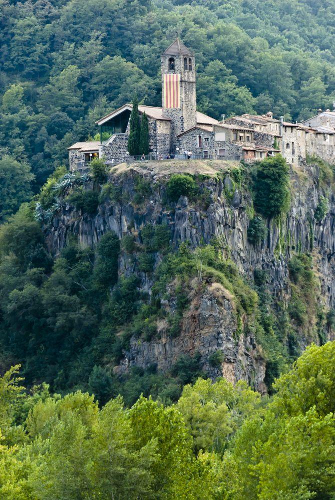 Castellfollit de la Roc (Girona)