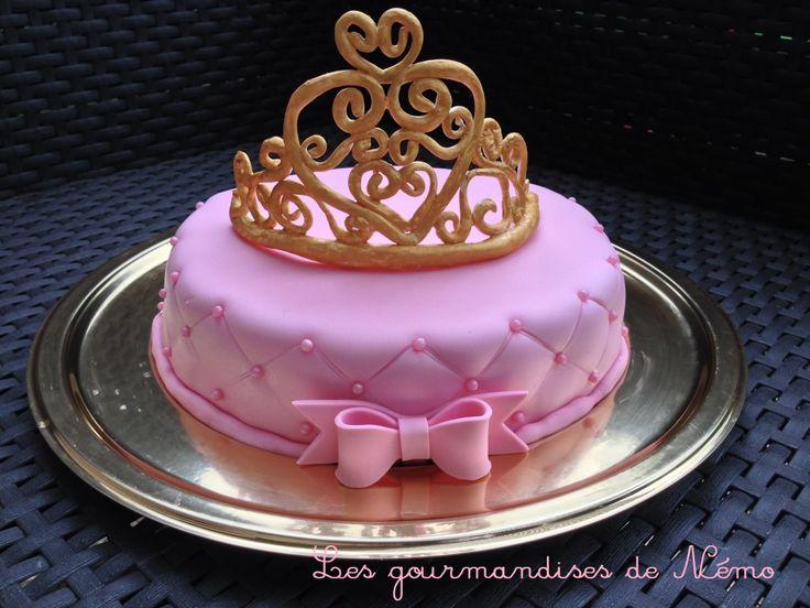 Gâteau princesse effet matelassé sur faux fraisier