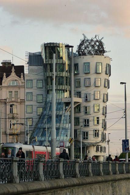 szlaki i bezdroża: Praga - Tańczący Dom