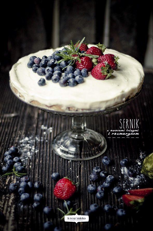 {Cheesecake with Forest Fruits and Rosemary} sernik z owocami leśnymi i rozmarynem | Krew i mleko - kuchnia i fotografia