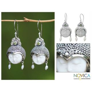 Silver 'Day Dreamers' Pearl and Peridot Earrings (3-4 mm) (Indonesia) | Overstock.com Shopping - Great Deals on Novica Earrings I bought these today can't wait