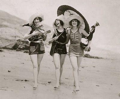 Vintage Swimsuits, 1920 S, Vintage Chic, Friends, Vintage Bath Suits, At The Beach, Life Magazine, Bath Beautiful, 1920S