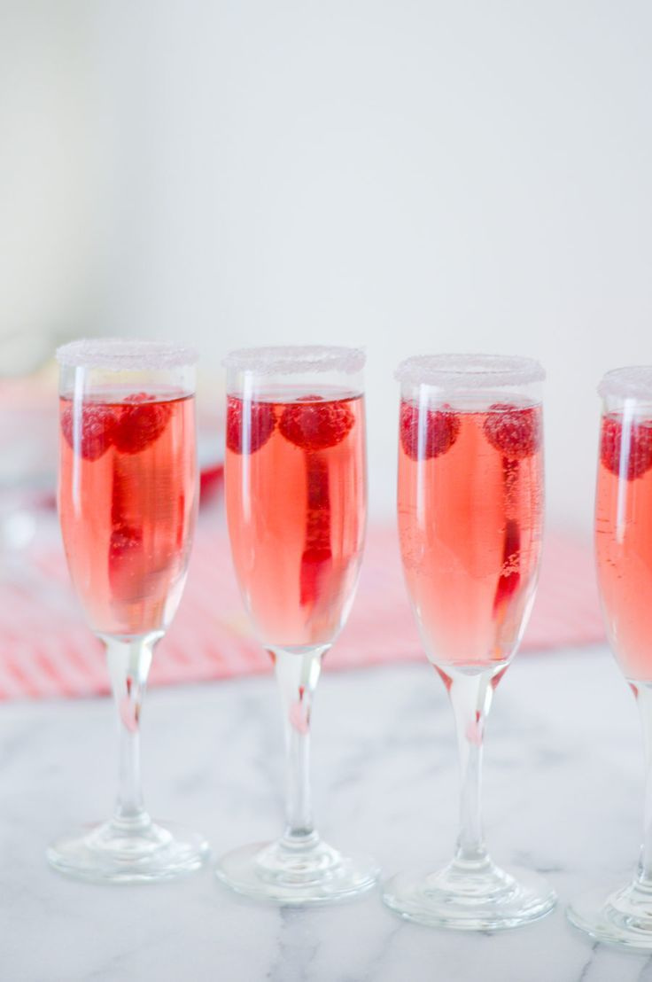 Easy Galentine's Day Drink Ideas Rose Raspberry Cocktail!