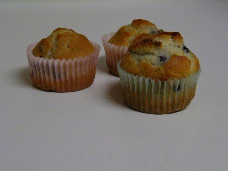 Špaldové muffiny s čučoriedkami a malinami