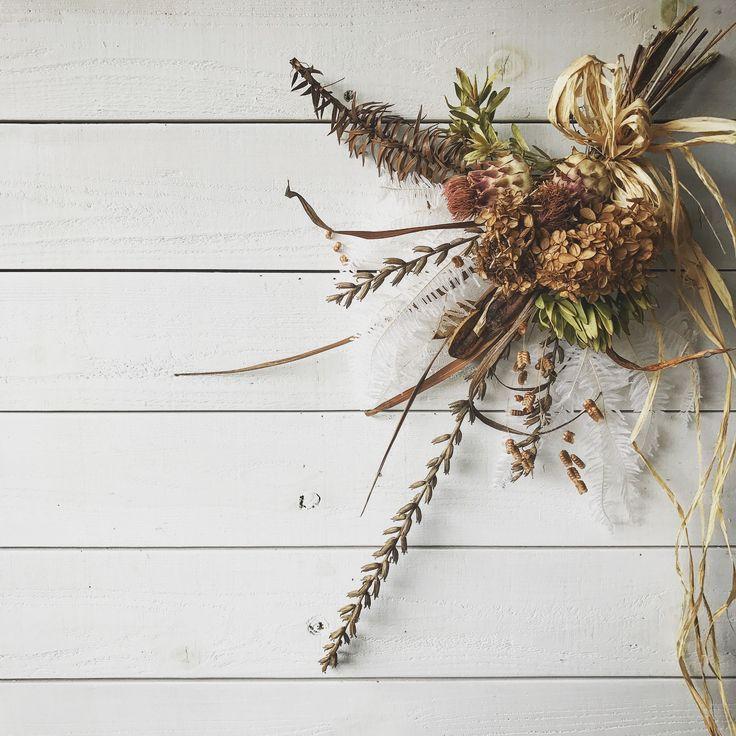 いいね!2件、コメント1件 ― hammock_wildgrassさん(@hammock_wildgrass)のInstagramアカウント: 「. おはようございます^ ^ . 今日、明日は定休日です。 金曜から、またお待ちしています…☆ . 南アフリカなどのワイルドフラワーを使ったスワッグを作りました♪ .…」