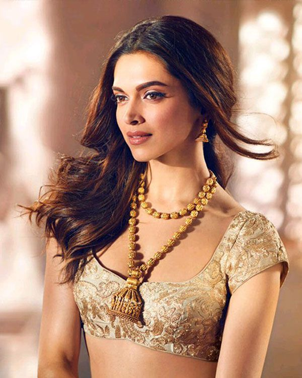 Deepika Padukone will take your breath away in these pictures. Don't blame us boys...she is GORGEOUS anywhichways!