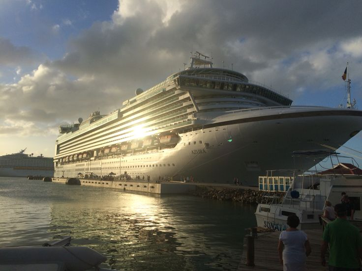 P&o Azura in Antigua