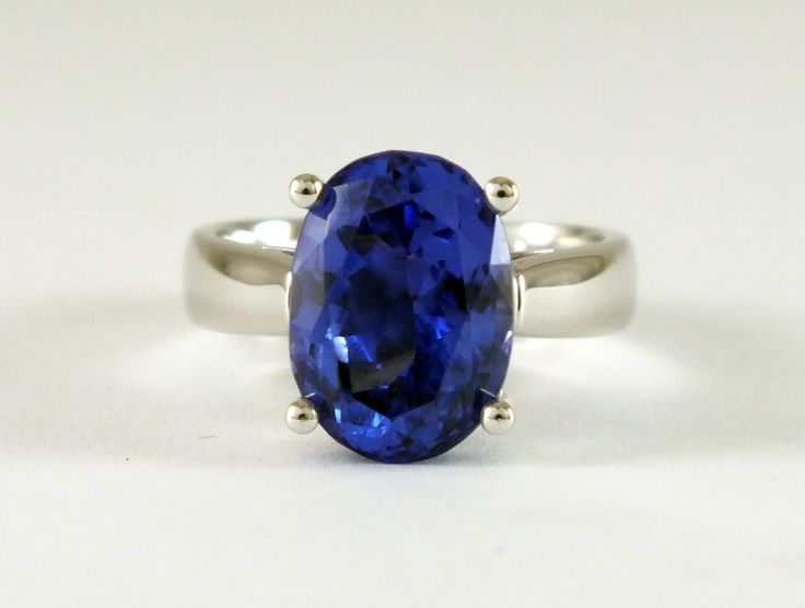 18ct White Gold Tanzanite Solitaire set with a Oval Tanzanite by John Stedman