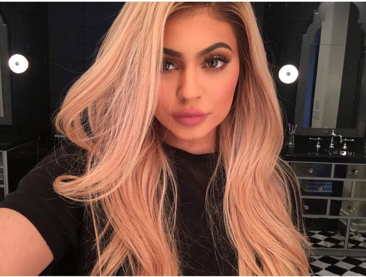 Kylie is all of the goals! Get your Rose Gold Goals today with Spark's Rose Gold at home color!