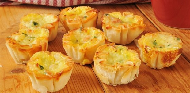 mini smoked salmon and parsley quiche