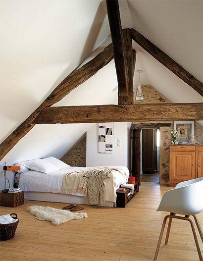 Originele houten balken op zolder