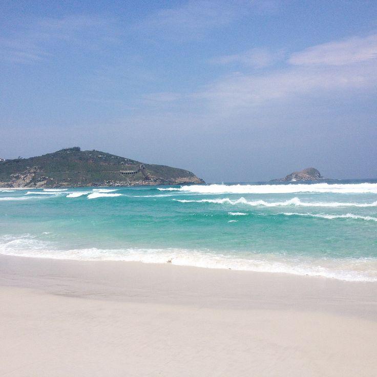 Aguas Cristalinas de Arraial do Cabo! Aproveite essa maravilha lendo o post completo no vidapelomundo.com.br