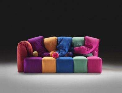3furniture-design-sofa-colorful-circus-by-Gaetano-Pesce-for-Meritalia-03