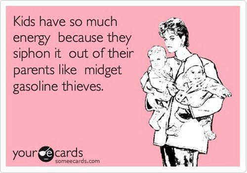 Trött efter noll sömn i natt? Eller bara i allmänt behov av att få skratta lite? Varsågoda, vi har letat reda på de allra roligaste citaten om barn och mammaliv på Pinterest.
