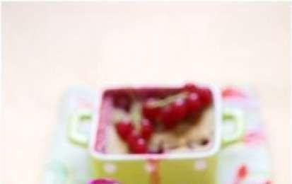 Clafoutis alle ciliegie - Il clafoutis è una tipica preparazione francese molto buona e semplice da realizzare, oggi vi proponiamo la classica ricetta per fare il clafoutis alle ciliegie, un dolce buonissimo e goloso per la vostra estate.