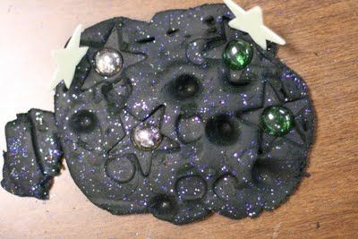 Galaxy Playdough. This could be great for the space theme they are doing at school at the moment. @Anne / La Farme / La Farme / La Farme Cummings